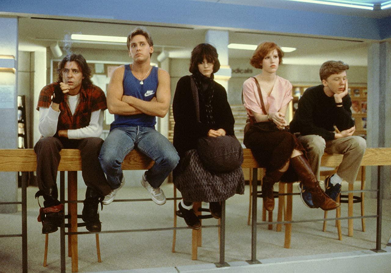 film the breakfast club, immagine che parla di adolescenza
